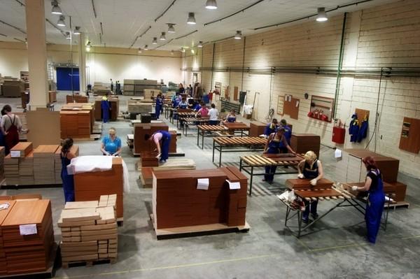 разнорабочии мебельная фабрика